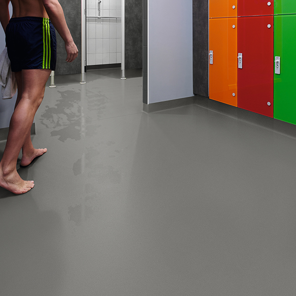Slate-Haze-5773_CF17_5773-Changing-Room-Showers_CF17_5773-Changing-Room-Showers_None_Digital